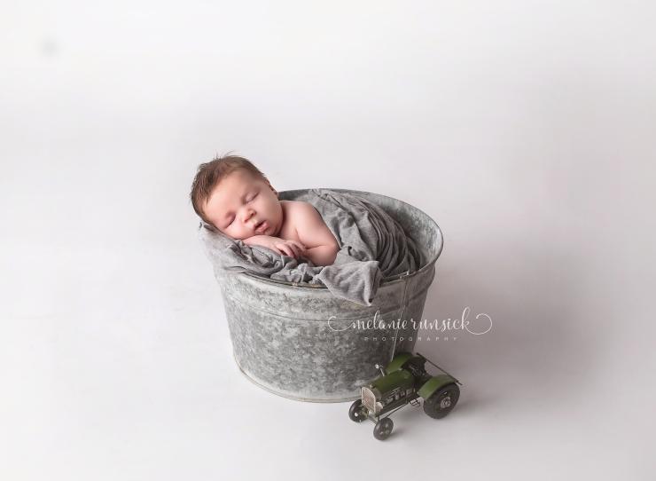 Melanie Runsick Photography Arkansas Newborn Photographer Newport Arkansas Newborn Photographer
