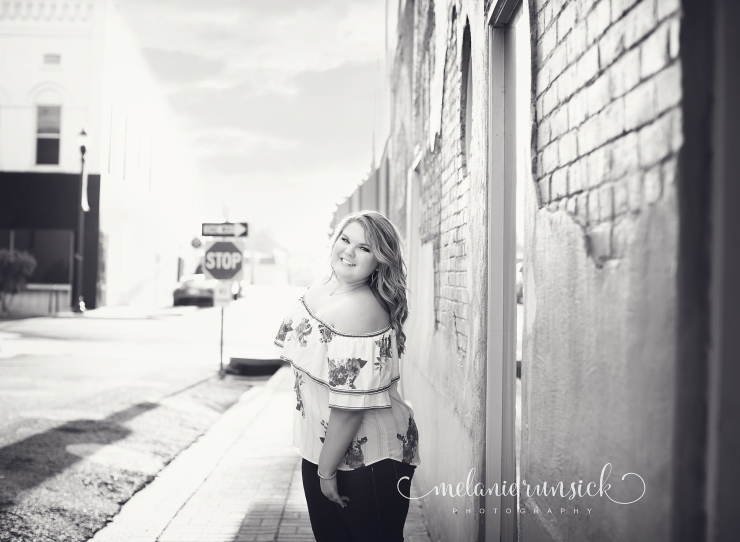 Melanie Runsick Photography Jonesboro High School Senior Photographer